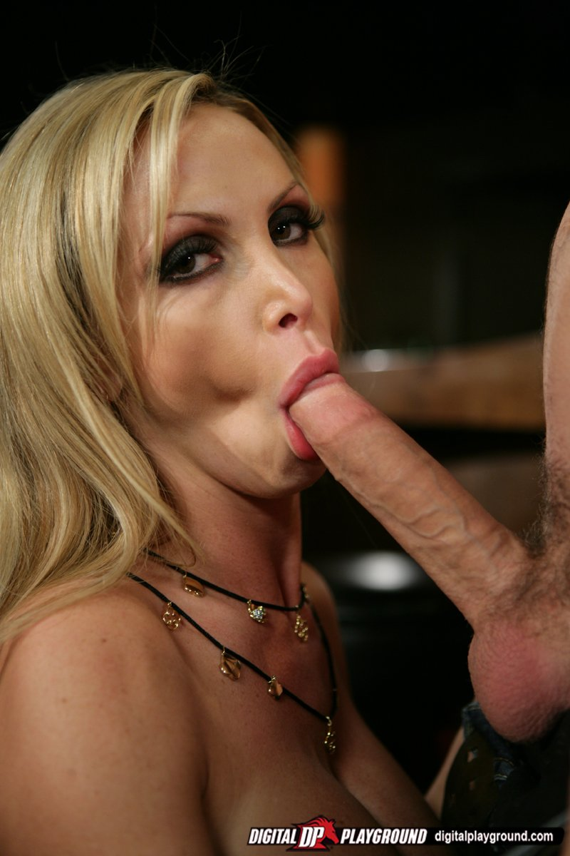 nikki benz dp